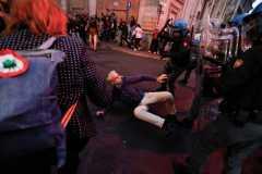 Polisi Italia tangkap pejabat partai sayap kanan setelah protes vaksin